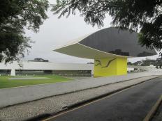 Museu do Olho - C. Cívico